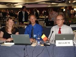 Fabian Ritter (Mitte) beim Plenum der IWC-Tagung.
